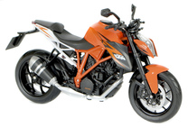 Markowy model motocykla KTM 1290 SUPER DUKE R