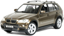 Auto BMW X5 na radio